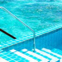 Murovany bazen s protišmykovou podlahou